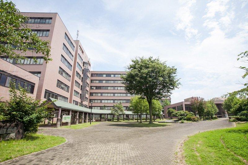 「茨城大学 農学部」のキャンパスなどがありアカデミックな雰囲気もある